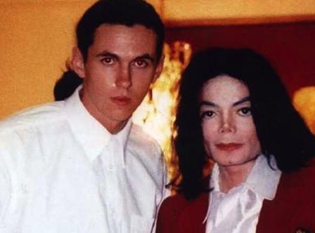 Michael Jackson testőre ki akar tálalni