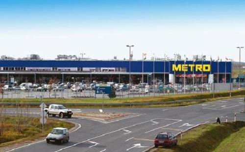 Sztrájkoltak a Metro áruházak alkalmazottai