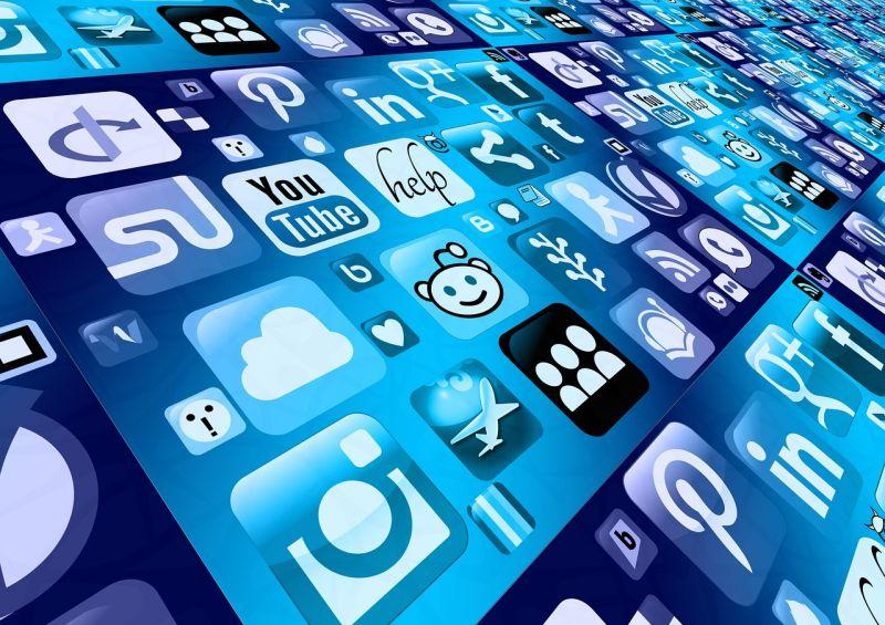 Leállt három közösségi oldal