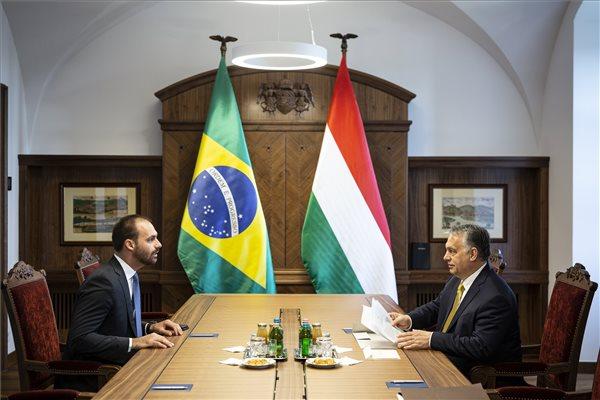 A brazil elnök fiát látta vendégül Orbán Viktor