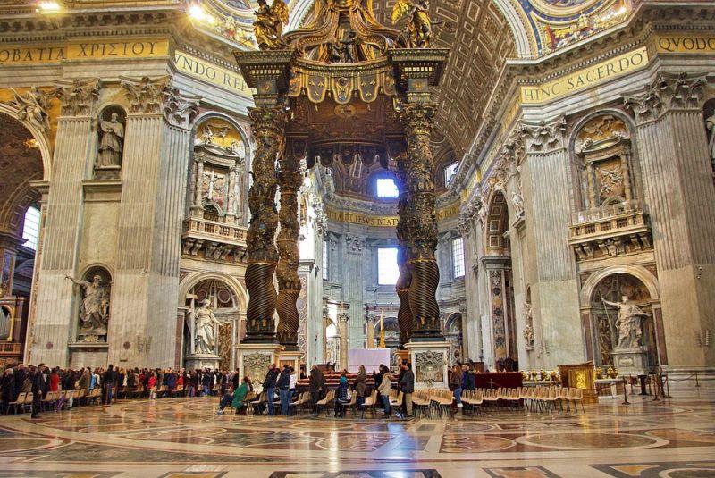 Kirúgta a Vatikán a pedofil püpököt