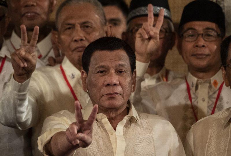 Duterte elrendelte a kanadai szemét visszaszállítását