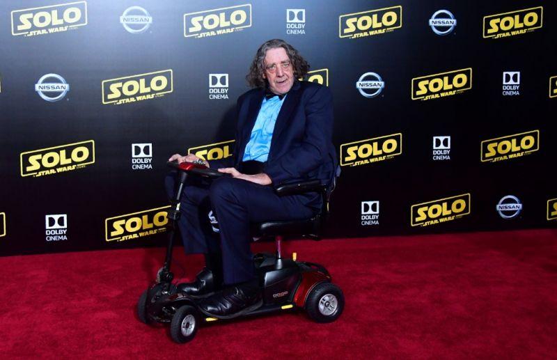 Elhunyt a Chewbaccát alakító színész