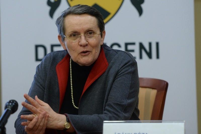 Nagy a felháborodás: kirúgta a világ egyik legelismertebb professzorát a Debreceni Egyetem