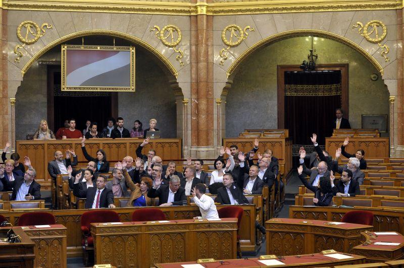 Ez vár a parlamentre a választás után