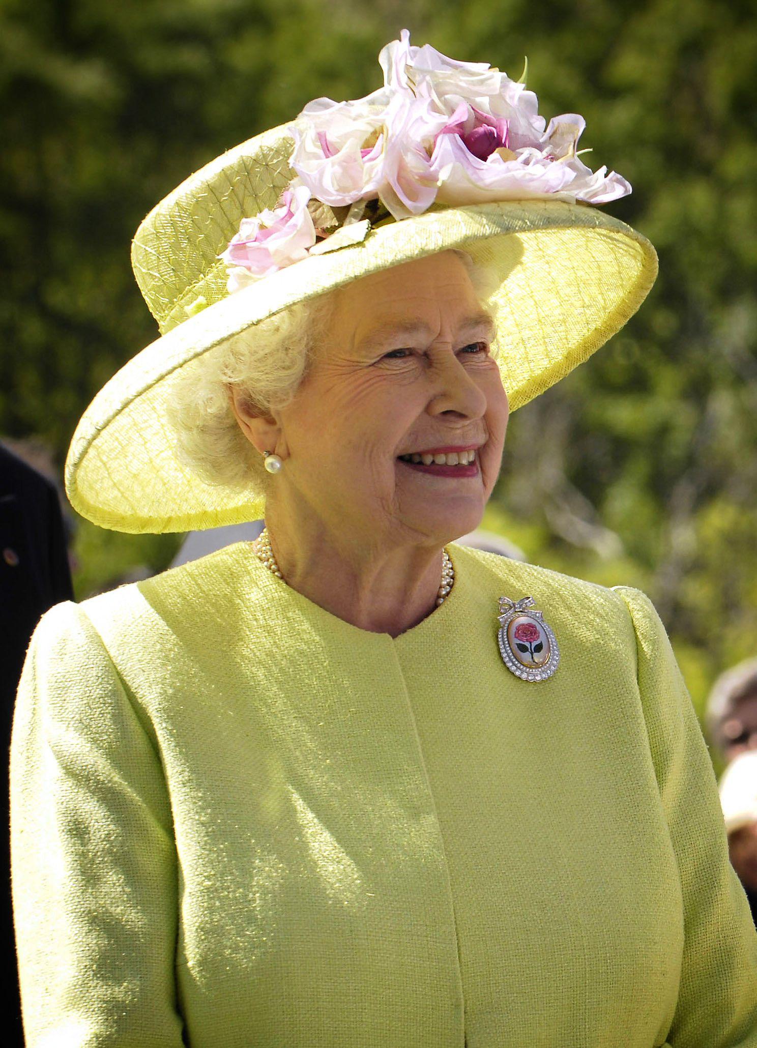 Gyászol II. Erzsébet – még a protokollra is fittyet hány