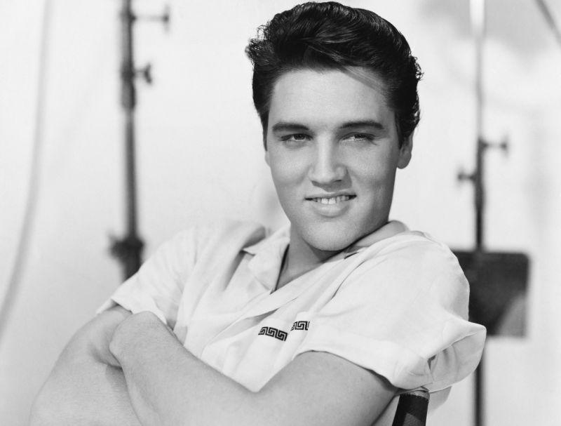 Túl fiatal lányokkal feküdt le Elvis Presley