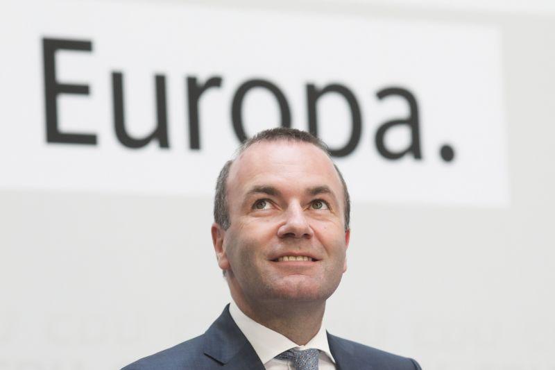 Győzött a Néppárt, többségben az EP-ben az Unió-párti erők, kisebbségben a nacionalisták