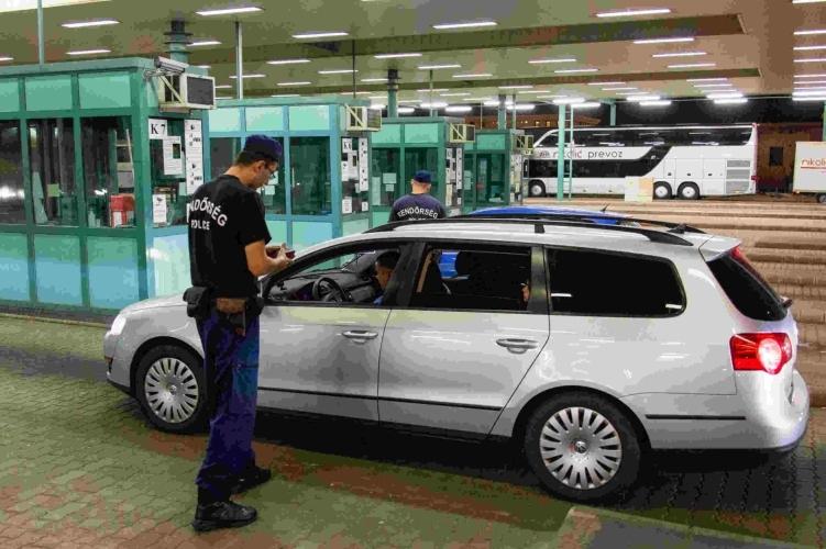 fdeafcae5f6e A rendőrség szerint fennakadások lehetnek az ország határátkelőhelyein
