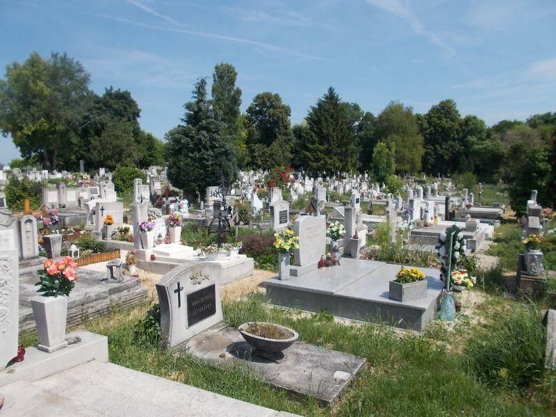 Napi morbid: temetőben gázolt halálra egy nőt