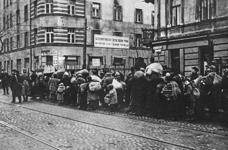 A lengyelek nem hajlandóak az elrabolt zsidó vagyon sorsáról beszélni se,