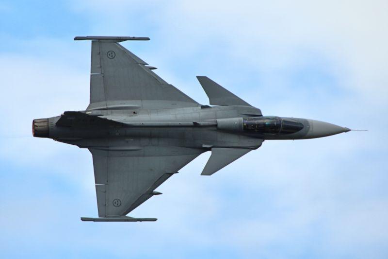 Orosz vadászgépek ellen riasztották a magyar Gripeneket
