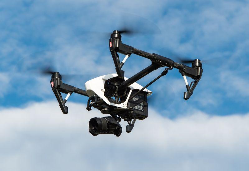 Drónokat vetetett be a rendőrség a gyorshajtások ellen