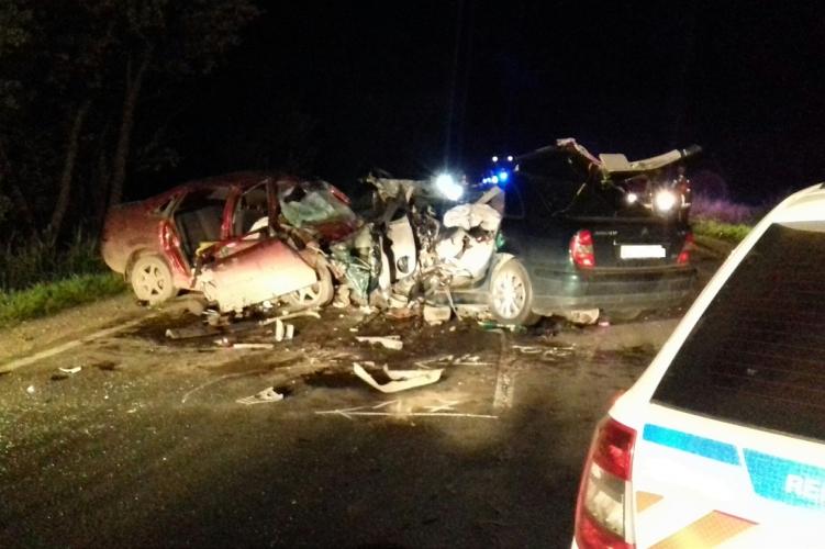 Iszonyú tragédia Fegyverneknél: hat ember halt meg egy balesetben