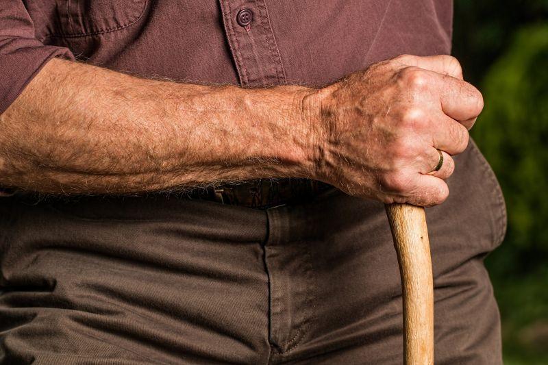 A túl sok tea miatt került kórházba egy idős férfi