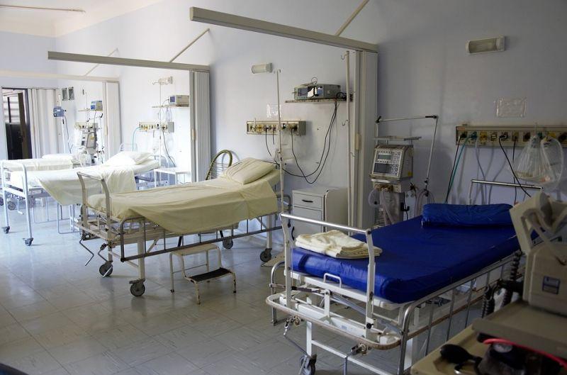 Horror: lehúzták a vécén a halva született kisbabát, sajnálkozik a kórház