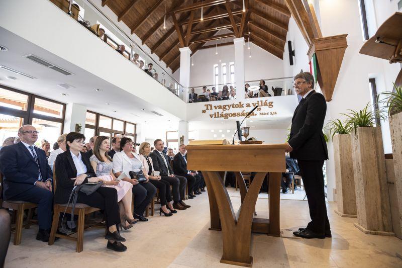Kövér László egy új templom felszentelésén tartott kampánybeszédet