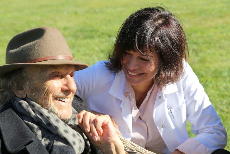 Ovációval ünnepelték Claude Lelouch több mint 50 éves, Oscar-díjas filmjének folytatását