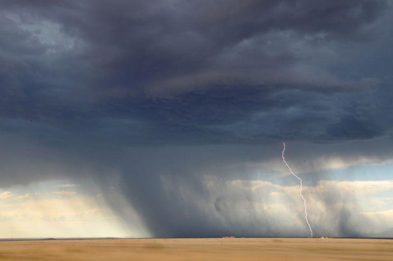 Jön a vihar! Egyre több megyére adnak ki figyelmeztetést
