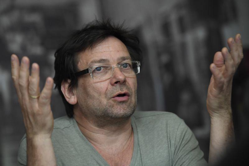 Itt az új fejlemény Lovasi András baleseti ügyében – vallott a zenész