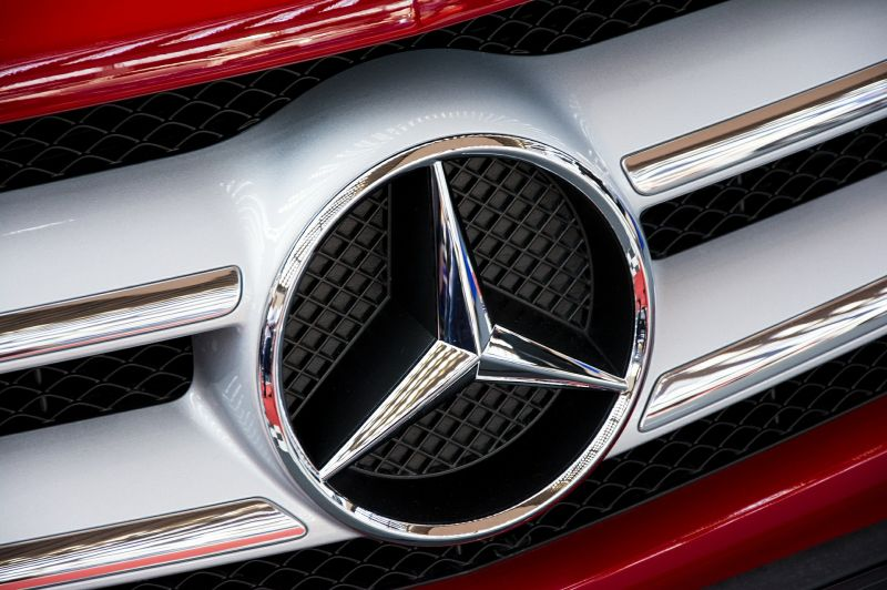 Most érkezett: leállt a Mercedes kecskeméti építkezése