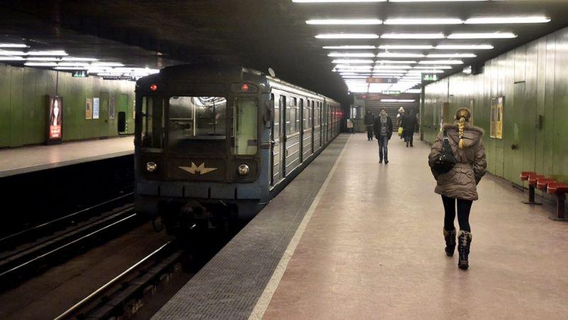 Meghalt egy ember a budapesti metróban