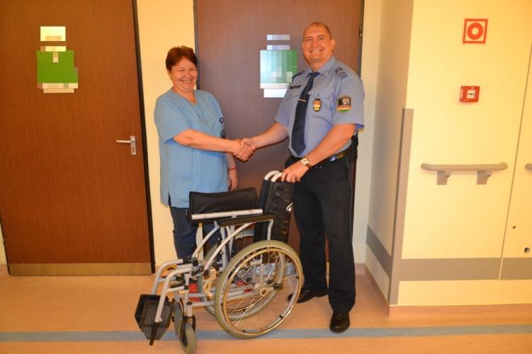 Hazavitte magával a kerekesszéket a páciens – nem kellett volna