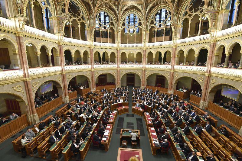 Jobbik: lakosságcserét hajt végre a kormány az országban