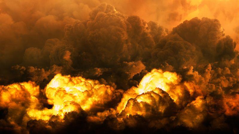 Több száz köbméter szemét lángol Jánossomorján