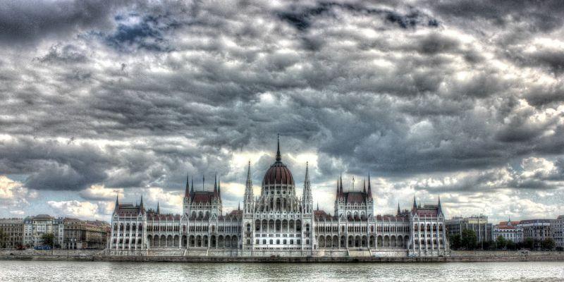 Az adócsomag mellett a honvédség is terítékre kerül a parlamentben
