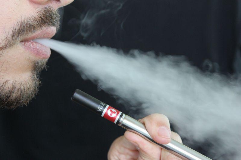 Betiltják az e-cigarettákat