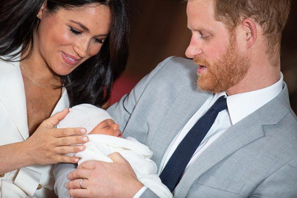 Végre itt egy új kép Harry herceg fiáról