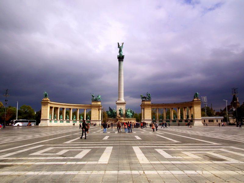 Budapest közlekedési káosszal ünnepli a rendszerváltást