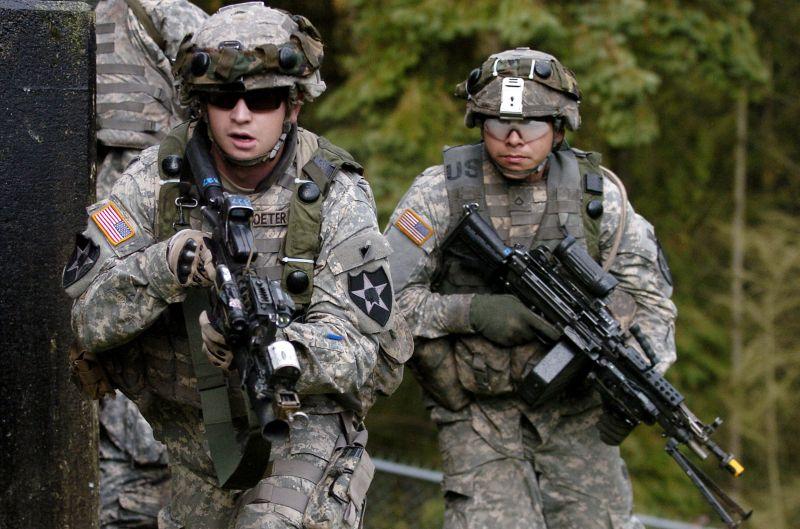 Fokozza katonai erejét az USA a szomszédunkban