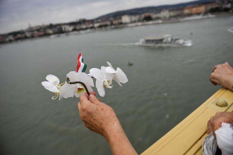 Folytatódik a keresés a dunai hajóbaleset utolsó áldozata után