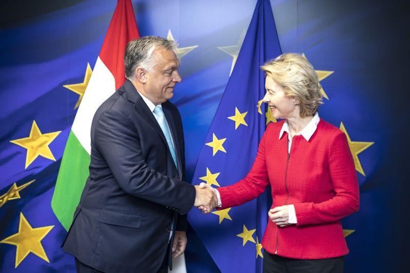 Von der Leyen Orbánnak: a jogállamiság elengedhetetlen