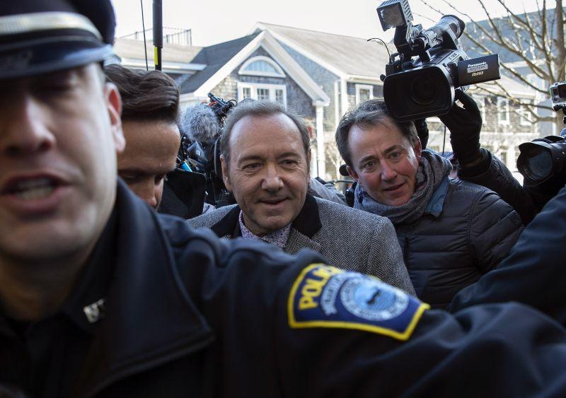 Ejtették a zaklatási vádat Kevin Spacey ellen