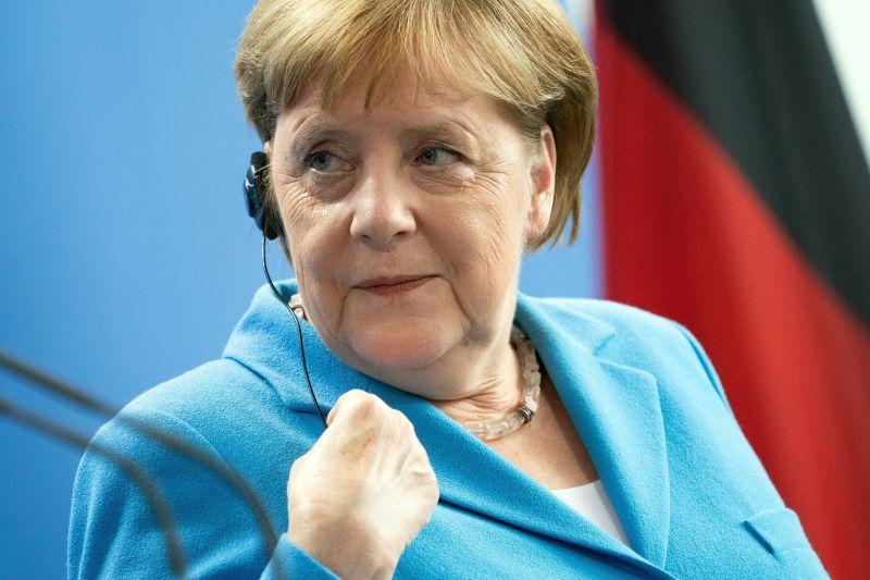 Román színész játsza Orbán Viktor a Merkelről szóló filmben