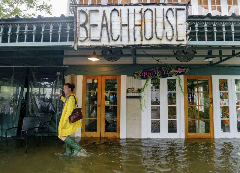 11 millió embert fenyeget áradás Amerikában, van ahol nem ajánlott kimenni az utcára sem