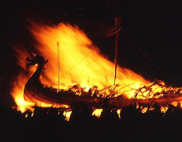 Ilyen viking hajókat ritkán látni
