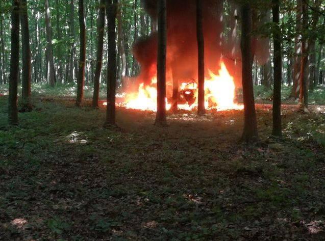 Nézők mentették a Veszprém-ralin a kigyulladt autó pilótáját és a navigátort