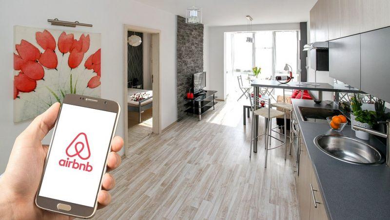 Erre számítson, ha nyaralni készül: változik az Airbnb