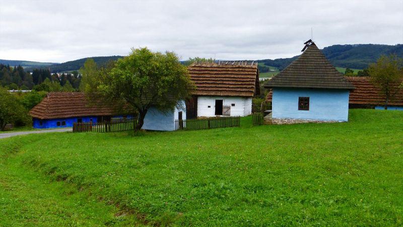 A falusi csok kezdi felhajtani a vidéki ingatlanárakat