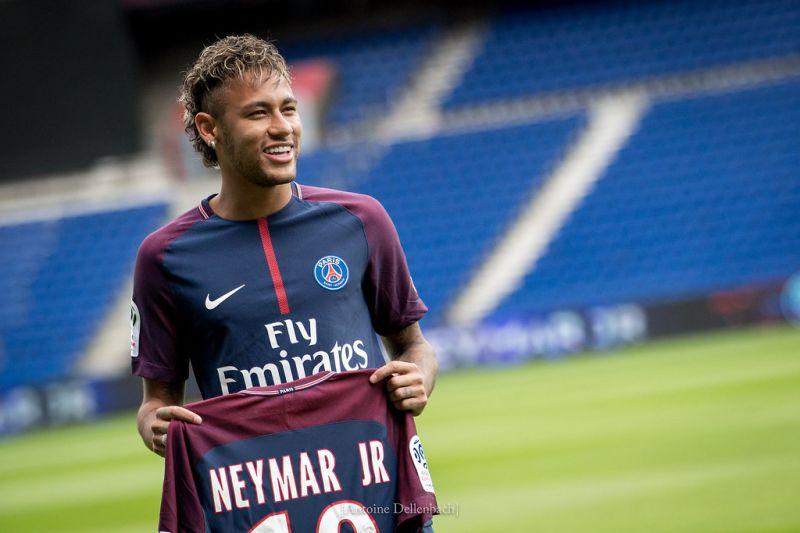 Kiröhögte a PSG a Barcelona ajánlatát Neymarért