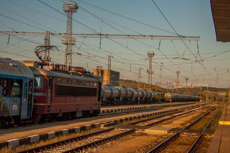Tolnában ölt a vonat
