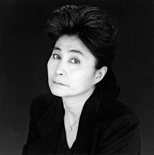 Yoko Ono miatt szólnak a harangok