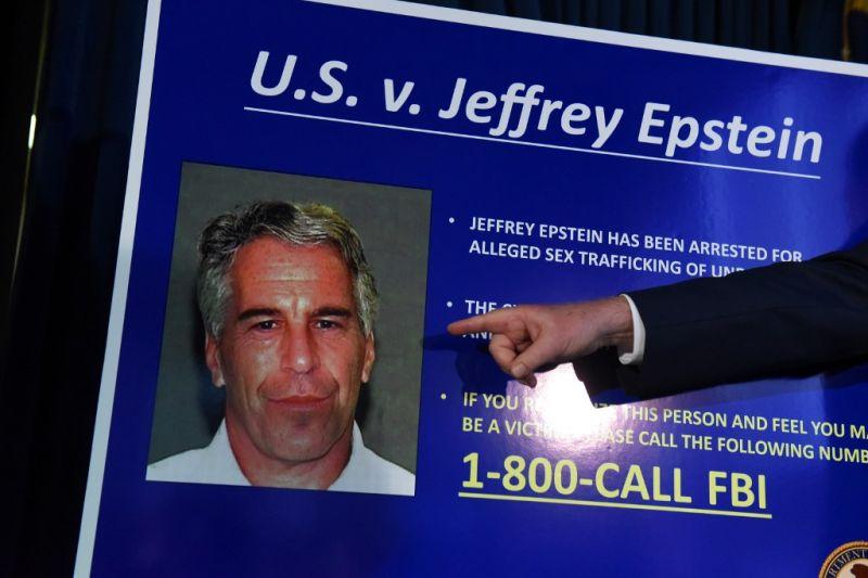 Jeffrey Epstein felakaszthatta magát