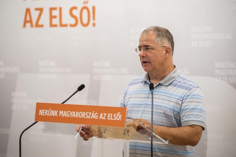 A kormánypárti intézet szerint nagyon vezet a Fidesz