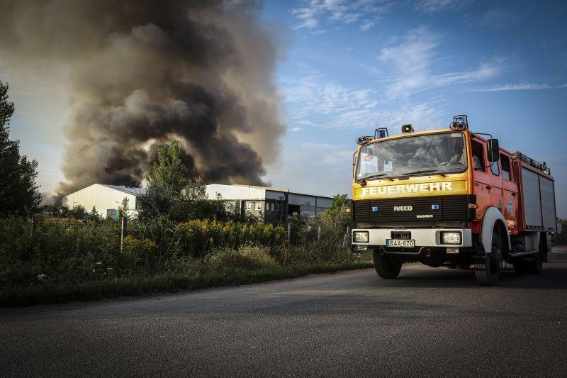 Két napig tartott a királyszentistváni tűz oltása
