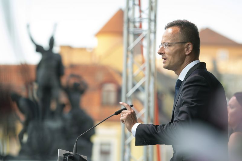 Szijjártó: Magyarország már csak koránál fogva is tiszteletet követel magának